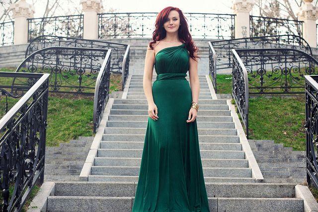 Emerald green dress #redhead