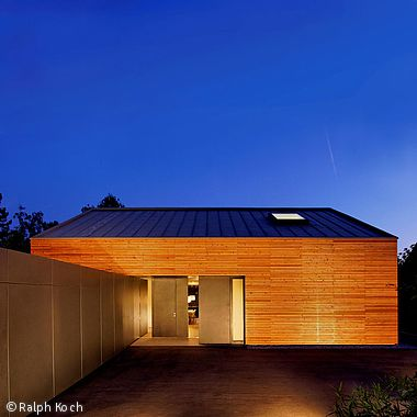 A house for himself - Stuttgart: CUBE Magazin