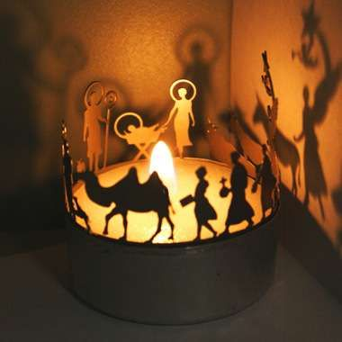 Another cool nativity set  find  sooooo small...would love to do this a bit larger...love the shadows