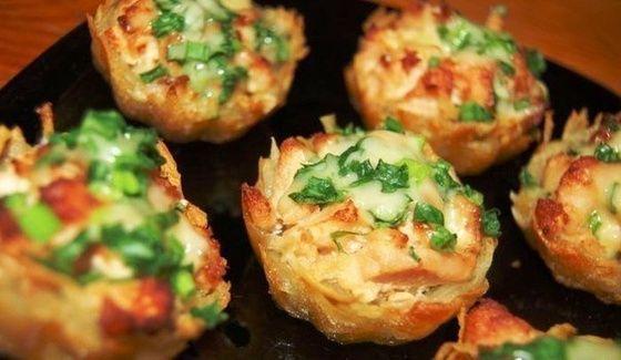 Tartaletki ziemniaki z filetem z kurczaka z sosem czosnkowym-serowym