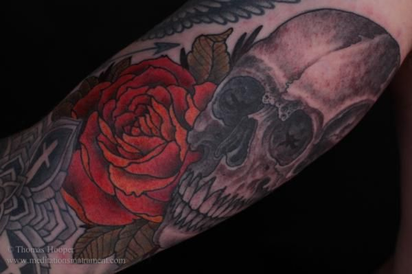tattoo trends skull and rose tattoo thomas hooper 100 awesome skull tattoo designs. Black Bedroom Furniture Sets. Home Design Ideas
