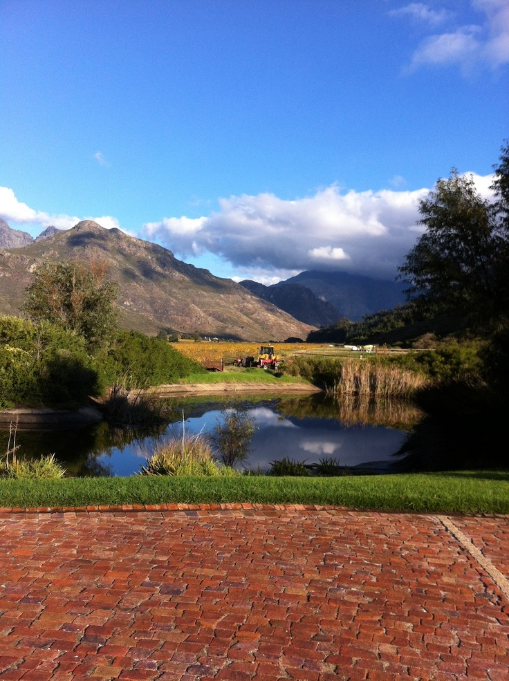 Glenwood wine estate, Franschhoek, South Africa- DP Burger (wine maker at Glenwood) was born in Le Manoir one of the 4 luxurious villas at La Clé des Montagnes.