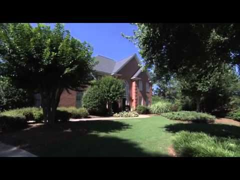 Super-Sod's 5 Step DIY Sod Installation Video. I think I can do this.
