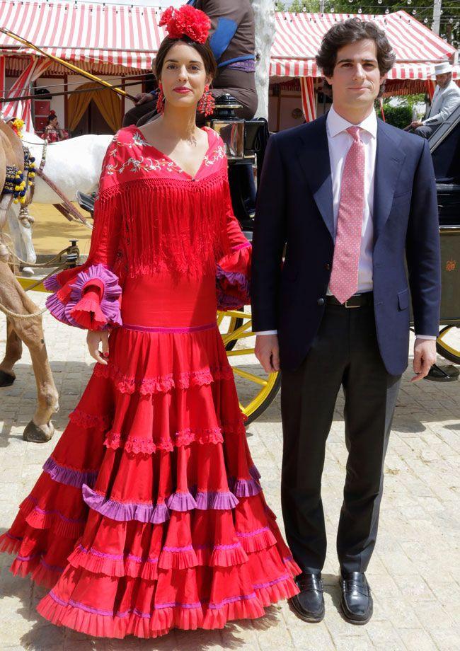 491c6bf889 Fernando Fitz-James Stuart y Sofía Palazuelo se casan el 6 de octubre en el  Palacio de Liria. Este es el estilo de la futura duquesa de Alba