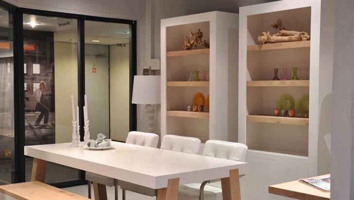 Vermeer bv is groothandel, importeur en producent van eigentijdse meubelen.  Modellen worden in eigen beheer ontwikkeld en hoofdzakelijk vervaardigd van natuurlijke materialen, door nederlandse proffesionals.