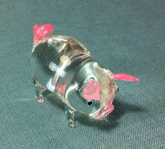 Hey, I found this really awesome Etsy listing at https://www.etsy.com/listing/182663881/hand-blown-glass-pig-pork-piglet-animal