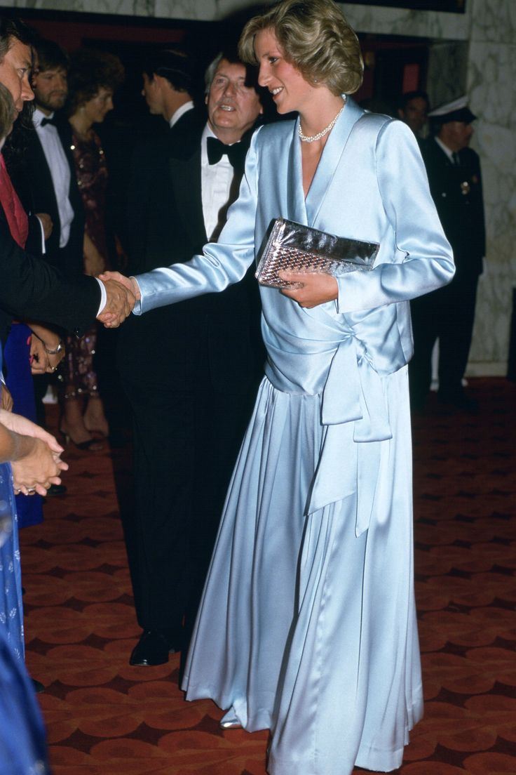 16 best Princess Di\'s Gowns images on Pinterest | Princess diana ...