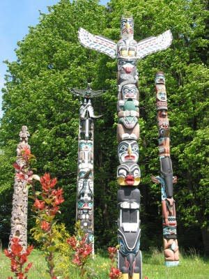 Native American  totem poles paintings | ... Free Printable Native American Indian Totem Pole Designs and Patterns