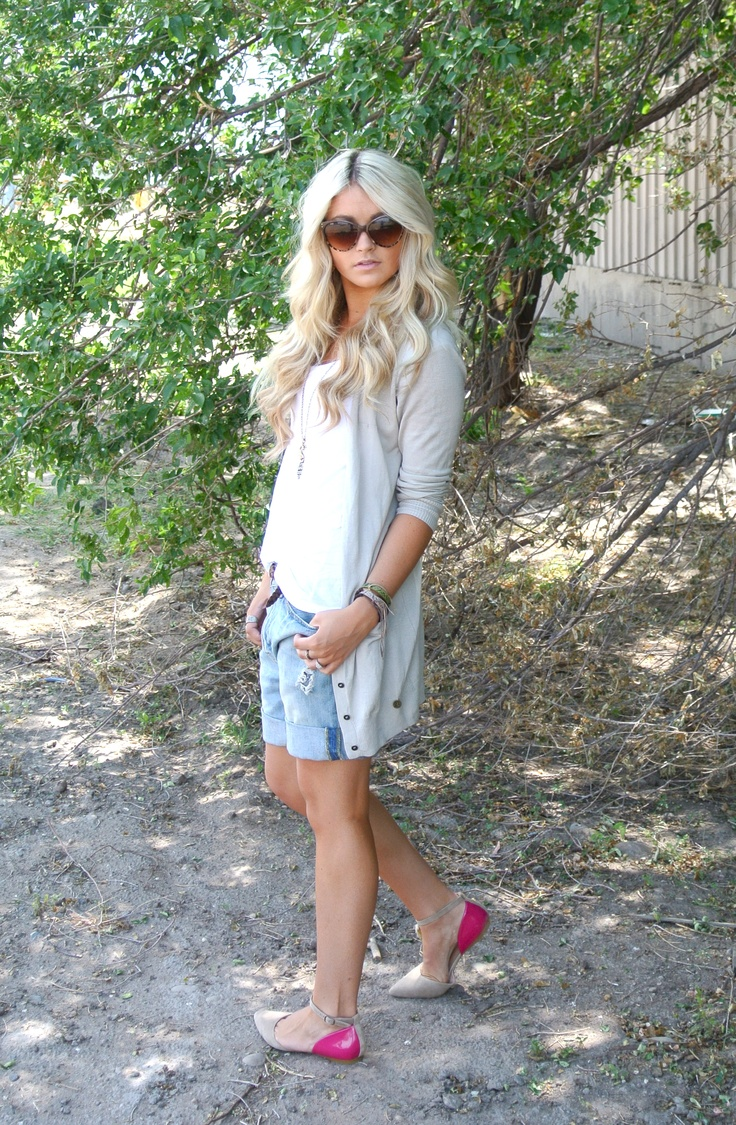 Love this whole outfit. so summer and so chill.