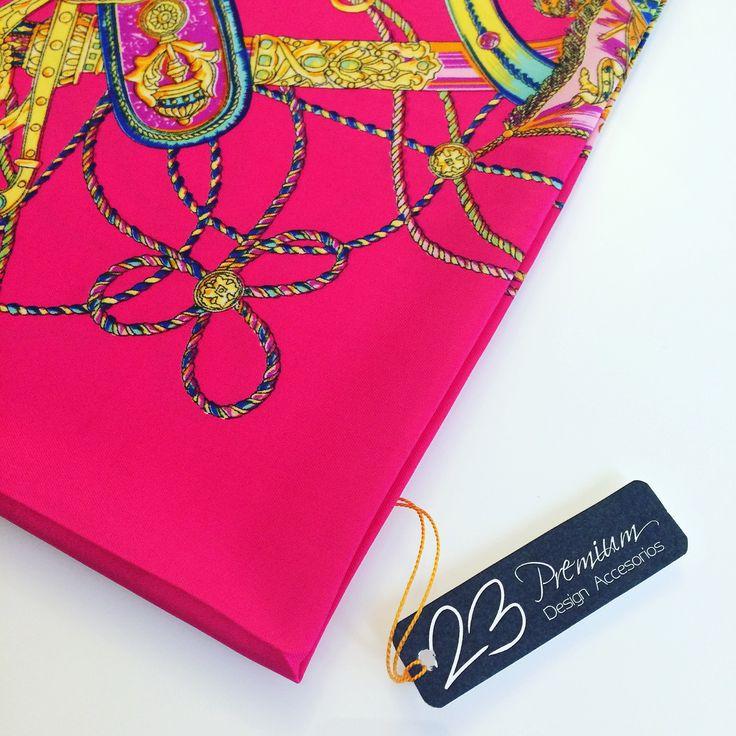 💠 #Ref81PP #RBNeónPinkBlueCircusDesign 🎪🎠# #Pañuelo #Pocket de textura lisa • Material 100% Seda Natural •  • Medidas 💠53x54cm de ancho • Precio $55.000 📦 pedidos en Bogotá y todo el país 🇨🇴📱WhatsApp +573108746187 📱Móvil +573133183951