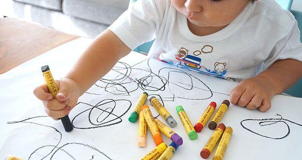 Disegnare libri per bambini è un mestiere, un mestiere molto difficile. Sia perché la richiesta di a...