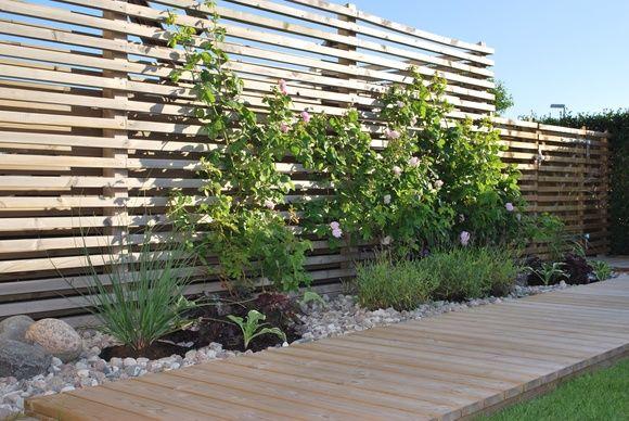 trädgård,trädgåtdsgång,trägång,spaljé,trädgårdsgrind