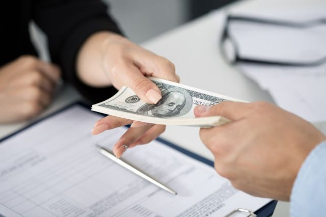 Same Day Loans Satisfy the criteria above you are capable applying for same day loans and bagging an amount ranging from $100 to $1000 with the small repayment duration of 2-4 weeks. Furthermore, with the assistance of these loans you can take care of miscellaneous payments such as medical bills, lawyer's fees, school or tuition fees, house rentals, outstanding bank overdrafts, fixing up broken window's pane, credit card bills, household expenses and so many more.