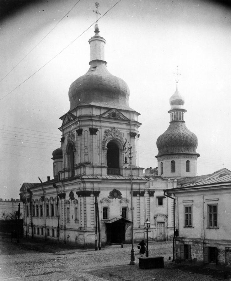 Дзвіниця церкви св. Костянтина і Єлени в Києві. Фото кін. ХІХ ст.
