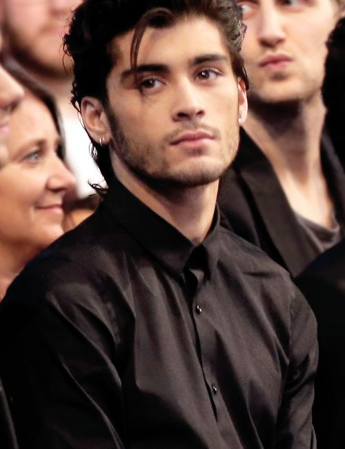 Zayn at the AMA's 2014 (feat. that strand of hair that sent us all into a meltdown)