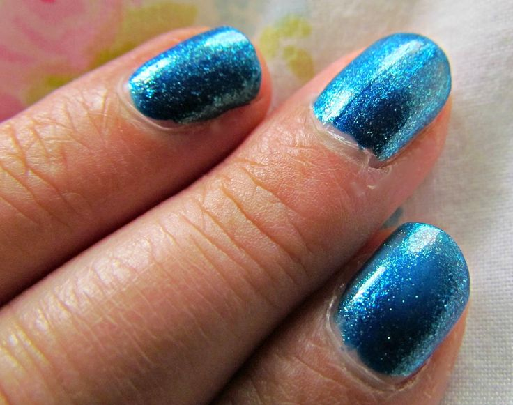 Odcień 351 #nails #summer #sea #nailpolish #paese
