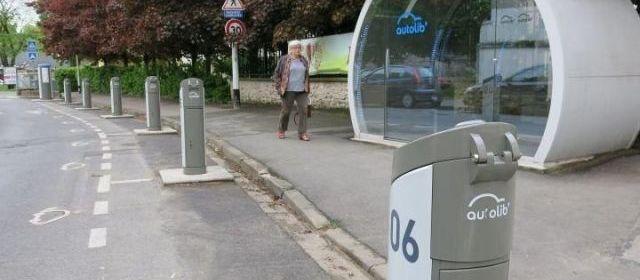 Limeil-Brévannes (Val-de-Marne), hier. Le maire (DLR) Nicolas Dupont-Aignan s'est inspiré du succès rencontré par le dispositif dans la ville voisine de Limeil pour demander à faire partie du réseau Autolib'. | (LP/L.D. et B.H.)