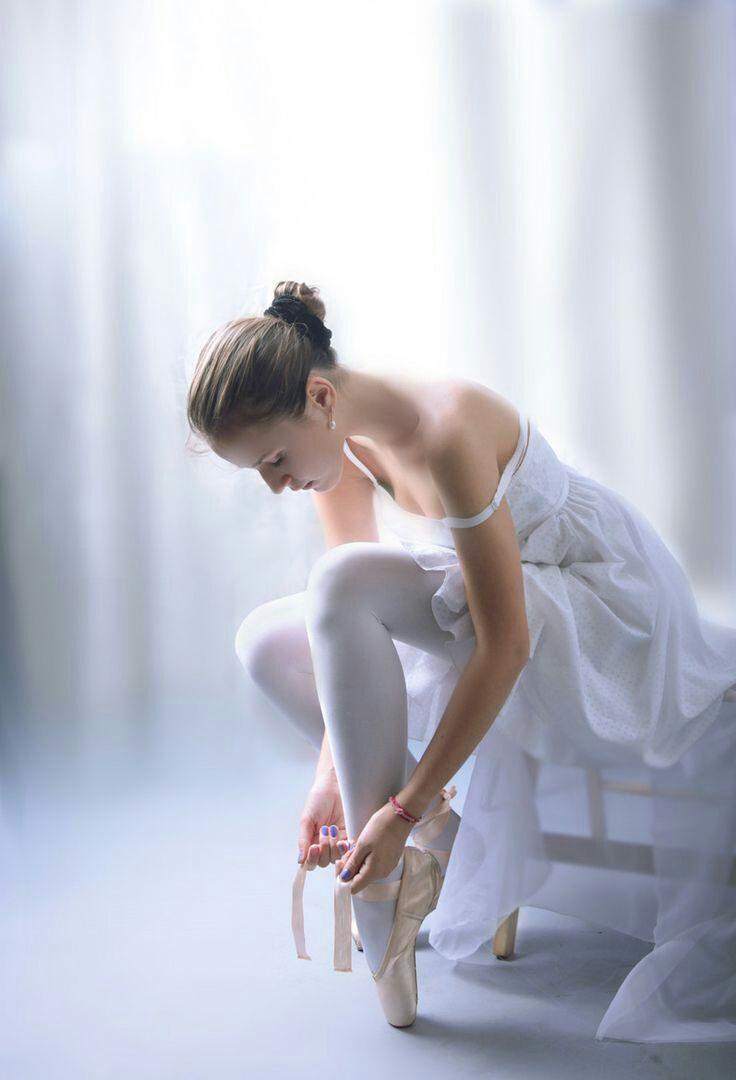 En pointe.....I love ballet!!!