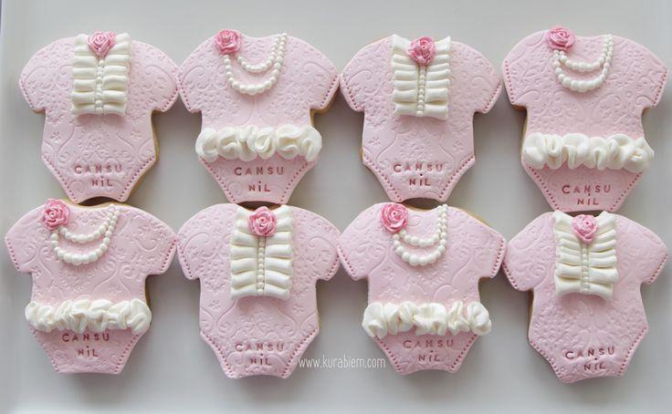 Pink cookies , baby shower cookies , bodysuit cookies, tulum kurabiyeler , bebek doğum kurabiyeleri , baby birth cookies , doğum kurabiyeleri, kız bebek kurabiyeleri