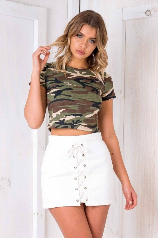"STELLY ARMY PRINT TOP Get on trend! The ""You Can't See Me - Army Print"" is a great basic that features a round neckline, cap sleeves, cropped length and comfortable fit. Style it with basically anything! We recommend a high waisted denim skirt or jeans and sneakers."