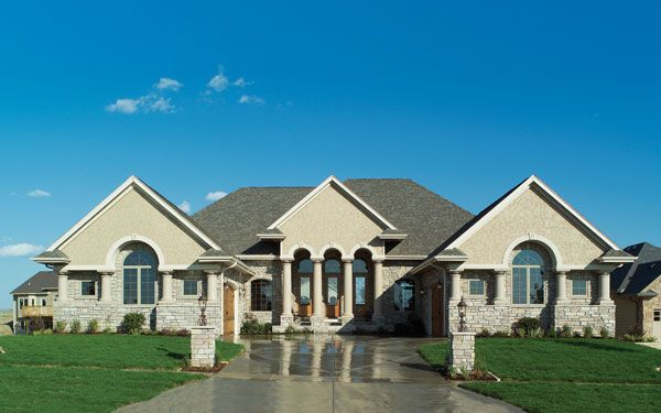 Top 25 best ranch homes ideas on pinterest country for Executive ranch style homes