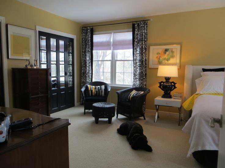 Black mirrored doors Bedroom
