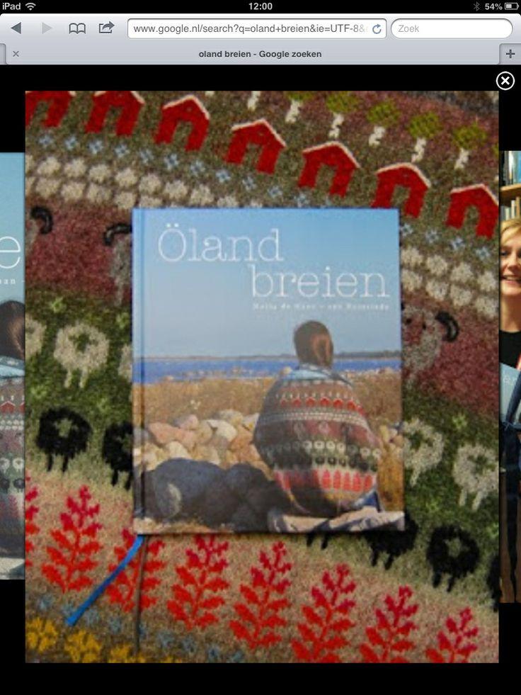 Prachtig boek, met ontwerpen van wol van het Zweedse oland.  Ben gek op de schaapjes!