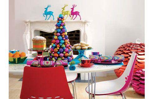 #christmasparty #christmastablesettings http://homeklondike.com/wp-content/uploads/2010/11/2-BHS.jpg