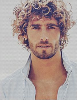 Alex Libby  An artist in some future novel. *hair* and scruff -perfect combo.