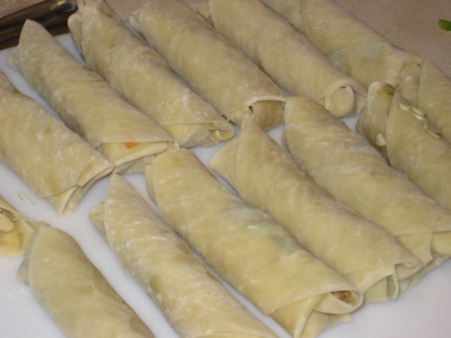 EGG ROLL RECIPE You will need : One package of egg roll wrappers ( found inproducesection at most stores) Bag of Shredded cabbage or one small head, cut into fine shreds 4 green onions chopped 3/4 cups celery chopped 1/2 cup shredded carrots ( super fine I use a veggie peeler, to shred them) 1 …