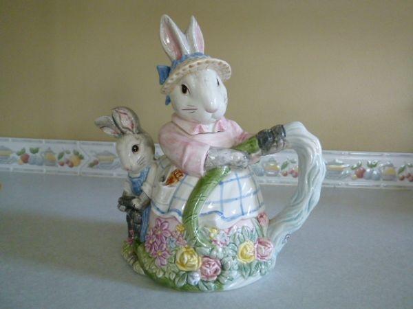 Fitz & Floyd Bunny Teapot.