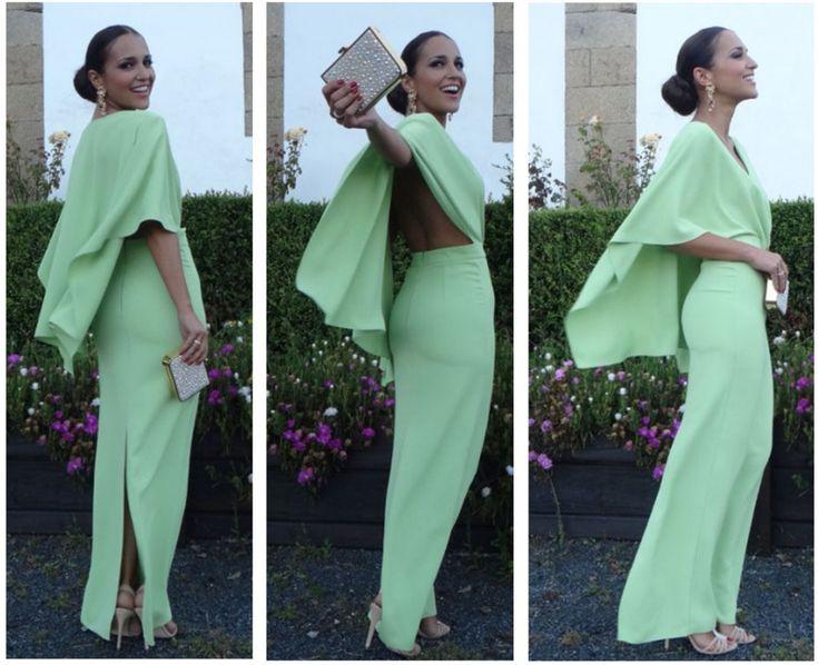 Se llevan los vestidos con Capa! Paula echevarria con vestido de dolores promesas. www.lamasmona.com