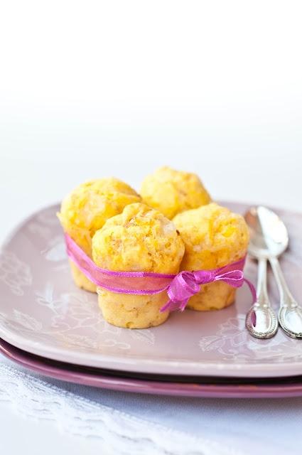 Mini muffins salati al prosciutto e formaggio