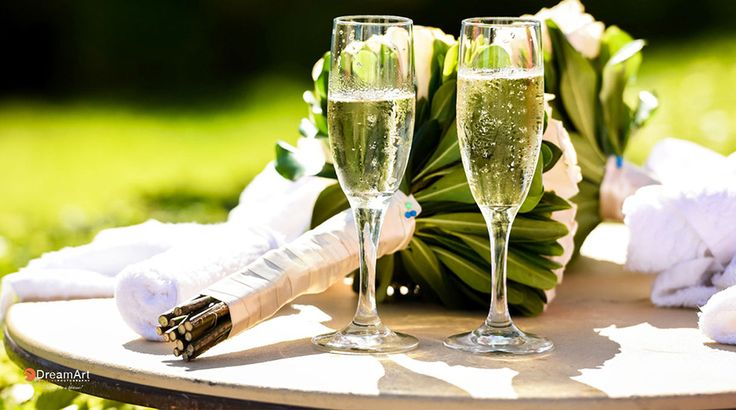 No celebration is complete without champagne for the perfect toast | Palace Resorts Weddings ®