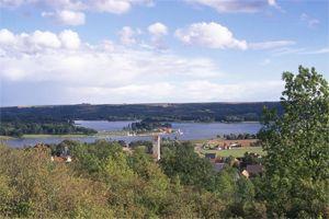 Au coeur de la Picardie, dans les vallons situés entre Laon et Reims, découvrez la randonnée du 'Tour du Lac'.