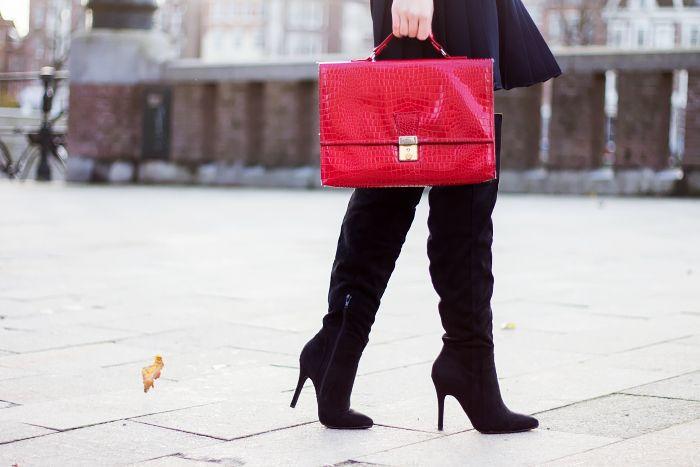 Fashion Blogger Outfit | Over Knee Boots - Retro Sonja - www.retrosonja.com