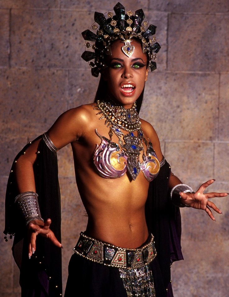 Akasha Queen of the Damned | Vampyre~Nosferatu~Vlad Dracul ...
