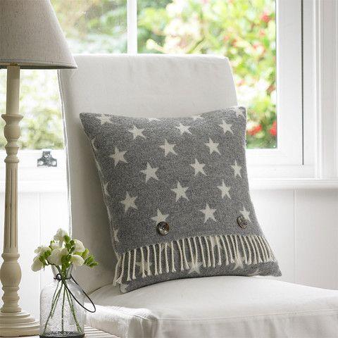 Woolen Star Cushion