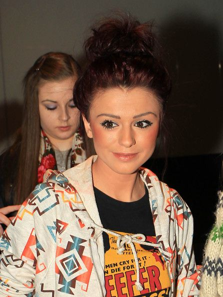 """Cher Lloyd Photos Photos - Former """"X Factor"""" contestant Cher Lloyd returns to London after a trip to LA. The young rapper was met at Heathrow airport by fans and paparazzi. - Cher Lloyd at Heathrow Airport"""