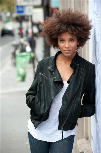 Actress Stéfi Celma Coiffure cheveux frisés, Cheveux et