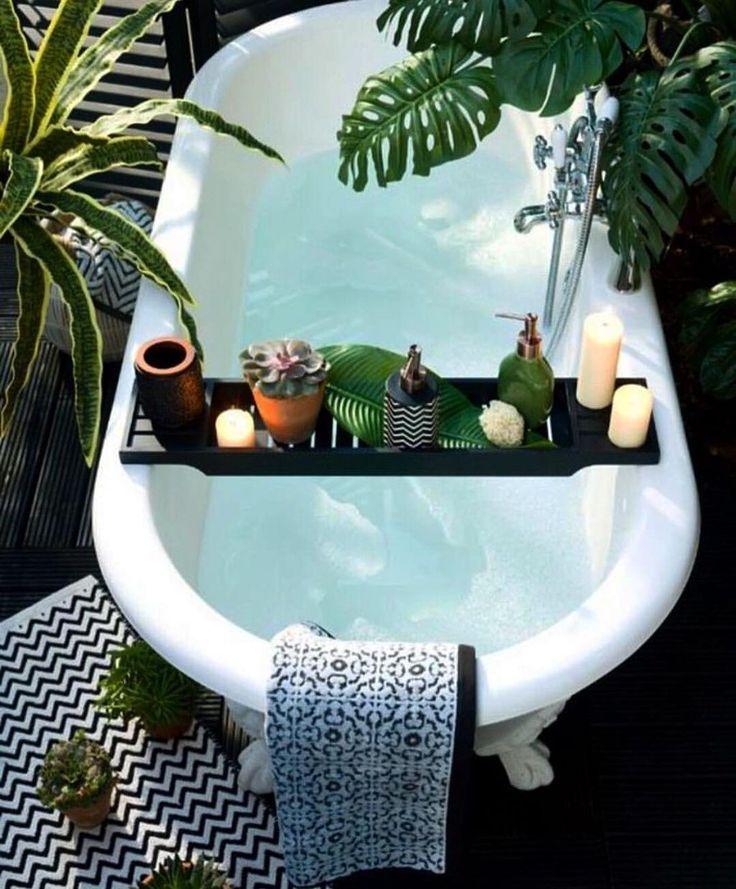 Nice 88 Amazing Tropical Bathroom Decoration Ideas. More at http://www.88homedecor.com/2017/11/25/88-amazing-tropical-bathroom-decoration-ideas/ #TropicalBathroomideasinteriordecorating