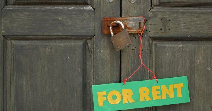 ¿Qué sucede cuando el propietario envía un aviso de desalojo y no se desocupa la propiedad? . Normalmente un propietario enviará a un inquilino un aviso de desalojo, legalmente conocida como notificación de desalojo, cuando hay rentas sin pagar, incumplimiento o el fin del contrato de arrendamiento. No es común que un propietario envíe un aviso de desalojo sin continuar con la demanda de desalojo. Si, por casualidad, un propietario ha dado ...