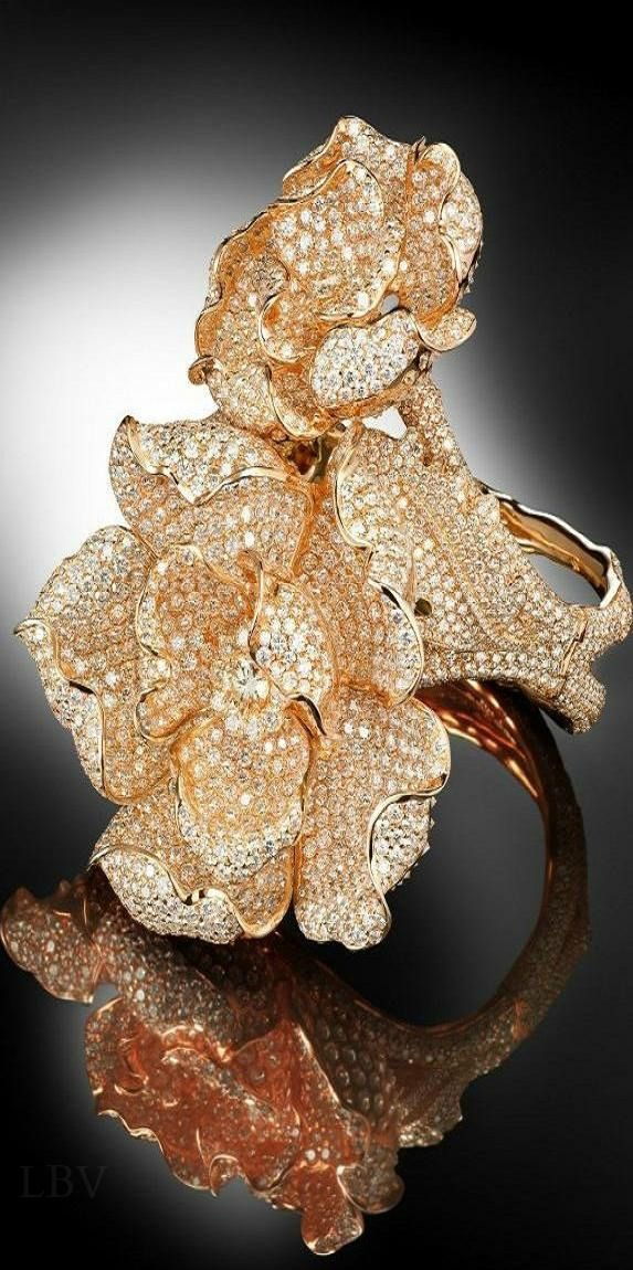 de Grisogono ring | beauty bling jewelry fashion