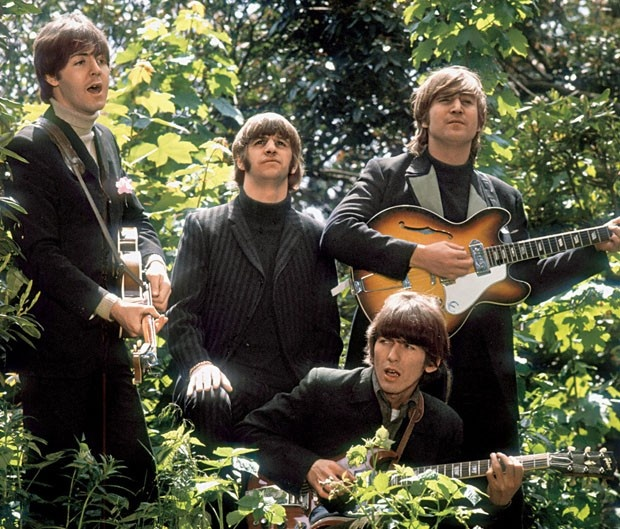 Foto dos Beatles durante um vídeo promocional para a música 'Rain' (Foto: Robert Whitaker)