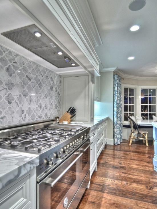 .: Stove, Backsplash Tile, Dreams Kitchens, Traditional Kitchens, Back Splash, Kitchens Ideas, Quatrefoil Tile, Marbles Counter, White Kitchens