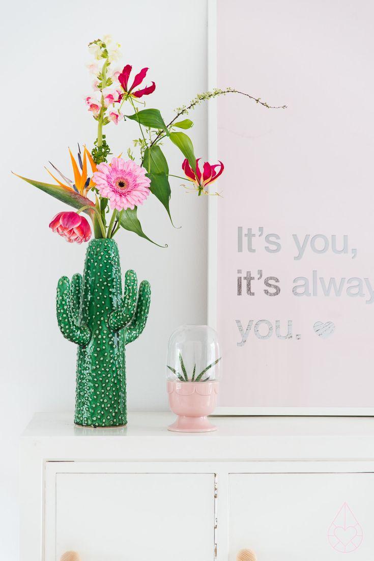 That cactus vase.