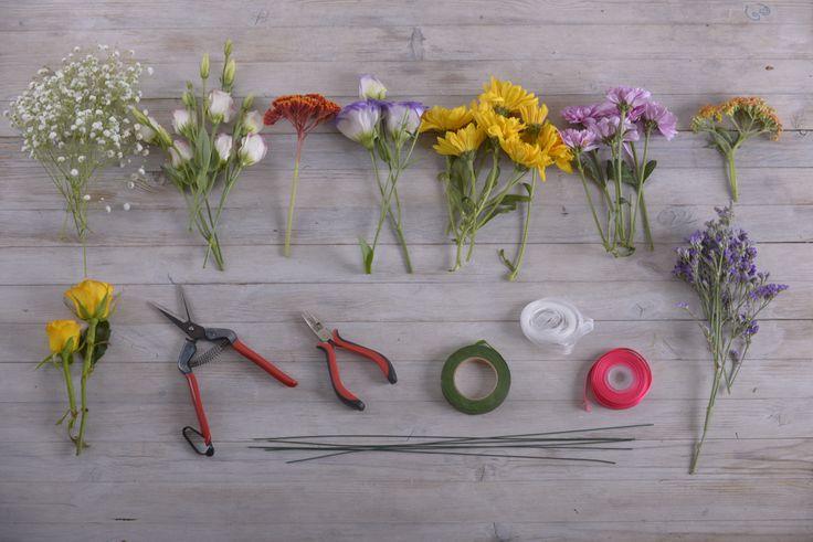 Fai-da-te con fiori: come realizzare una corona di fiori - Blog FloraQueen Italia