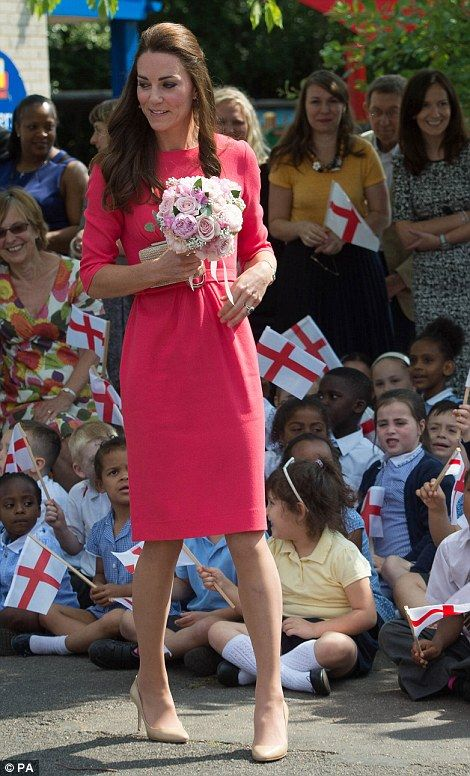 Pretty in pink Duchess of Cambridge delights school children on charity visit | Mail Online