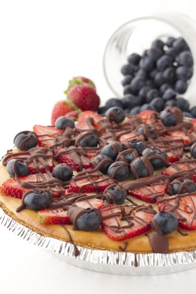 Healthy Strawberry Cheesecake with Dark Chocolate Drizzle! The perfect healthy dessert for your 4th of July celebration!