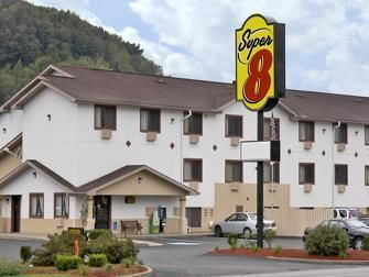 Butler (PA) Super 8 Motel Butler United States, North America Super 8 Motel Butler is perfectly located for both business and leisure guests in Butler (PA). Offering a variety of facilities and services, the hotel provides all you need for a good night's sleep. All the necessary facilities, including disabled facilities, pets allowed, Wi-Fi in public areas, car park, business center, are at hand. Each guestroom is elegantly furnished and equipped with handy amenities. The hote...